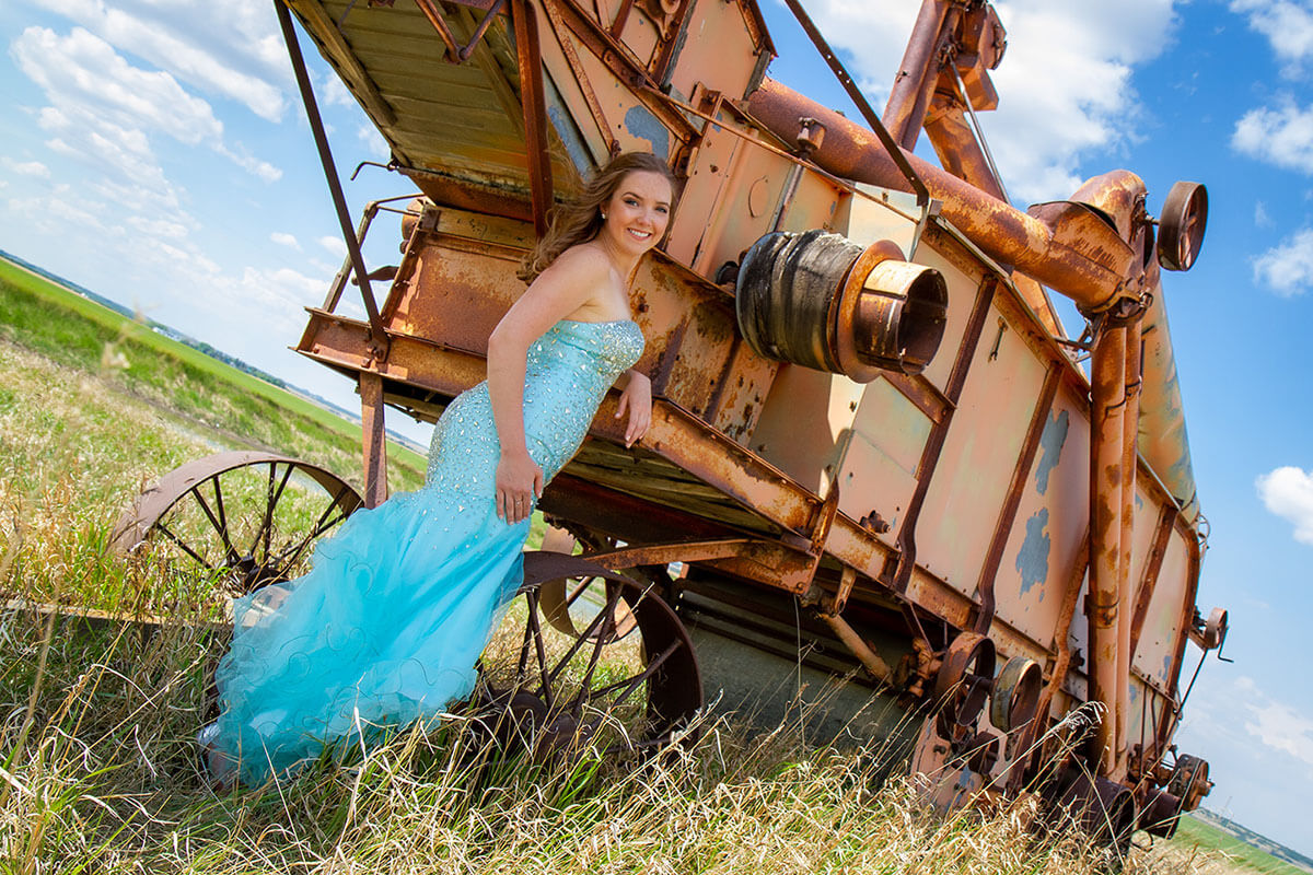 Formal Grad Portraits Roses and Scars Photography Saskatoon Outlying Areas Female Graduate (5)