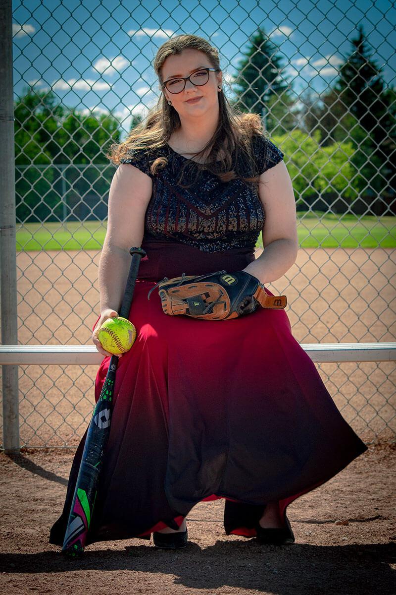 Formal Grad Portraits Saskatoon Roses and Scars Photography Female Graduate (7)
