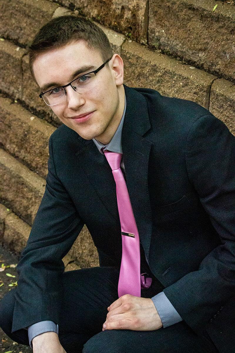 Graduation Portraits Saskatoon Roses and Scars Photography Male Graduate (9)