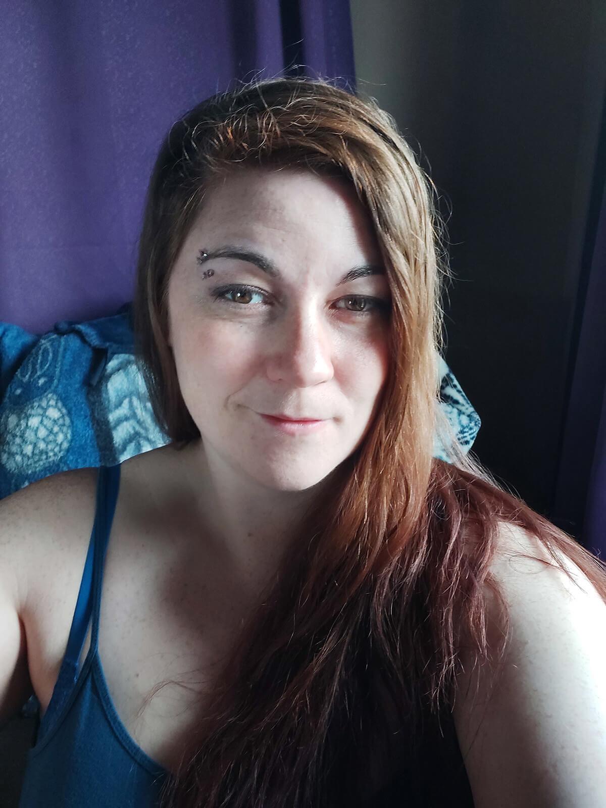Saskatoon Photographer Better Selfies Light Tutorial Mirror Side Light