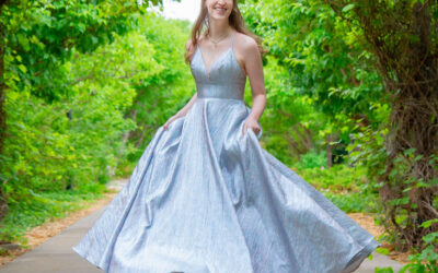 3 Beautiful and Easy Poses For Your Teen Ladies Formal Session