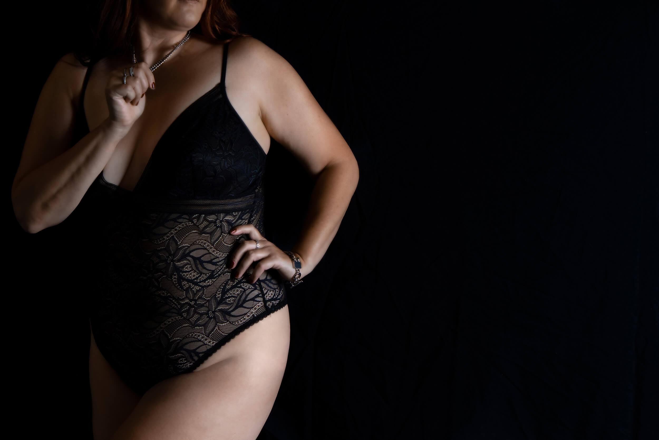 Boudoir Photographer Saskatoon Roses and Scars Photography (4)