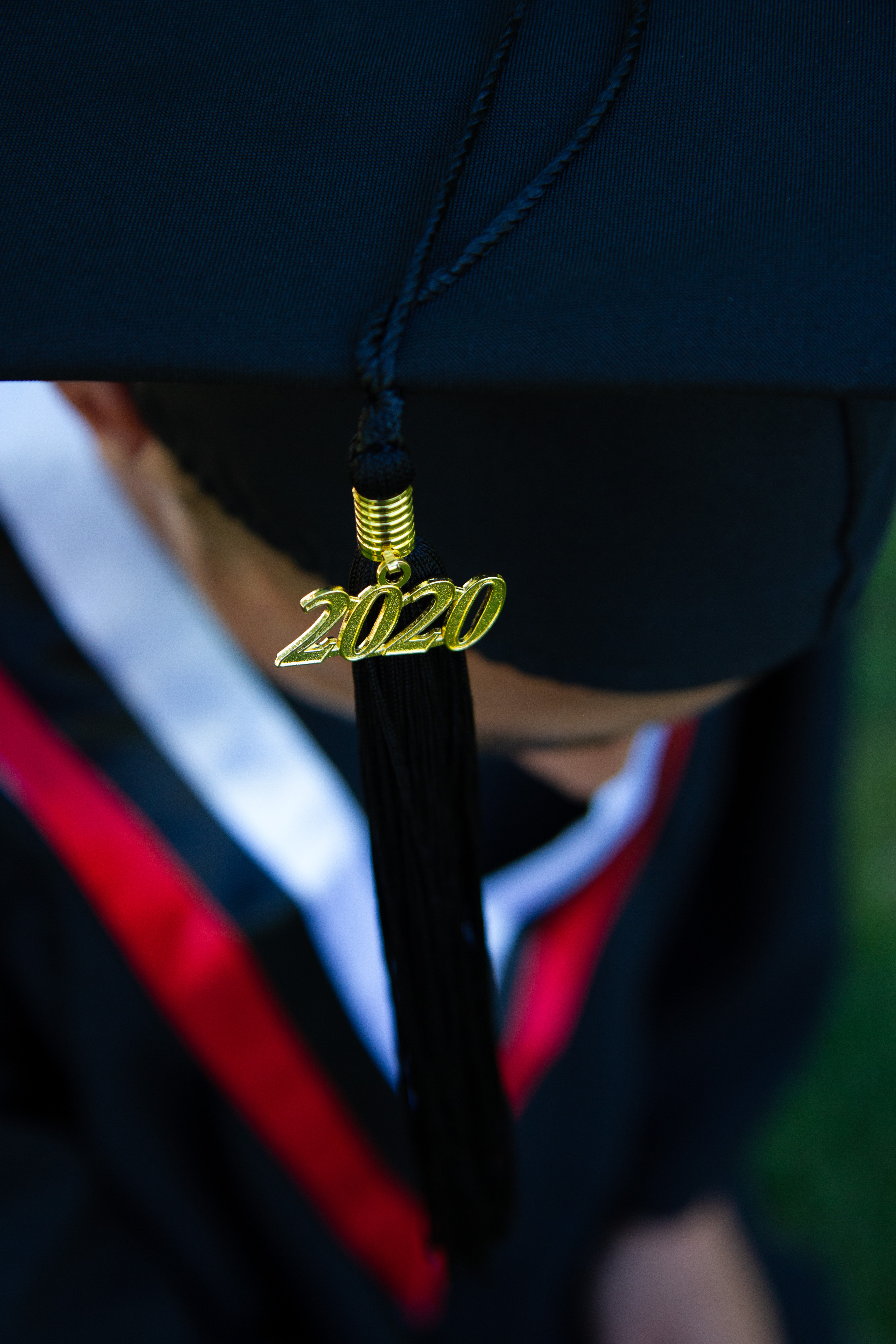 Covid Didn't Stop This Mom From Getting Her Cap and Gown Photos